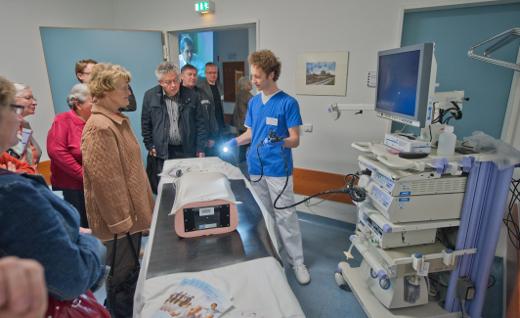 Oberarzt Dr. Leimbach in der Endoskopieabteilung am Klinikum Weimar