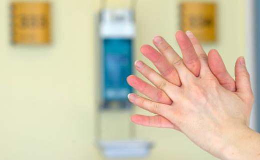 Geben Sie Keimen keine Chance. Die Händedesinfektion ist wichtig.