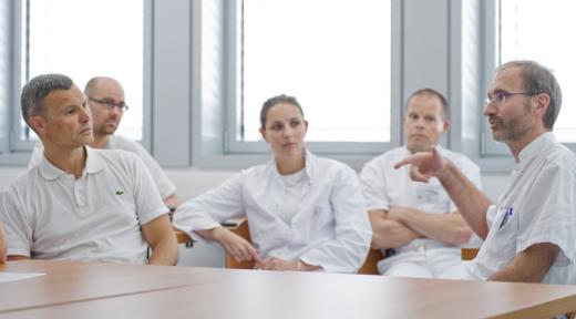 Wöchentlich stattfindende Weiterbildung der Traumatologen